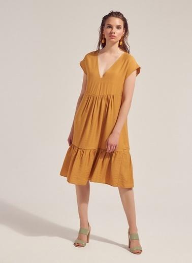 Monamoda Keten Karışımlı Volanlı Rahat Kesim Elbise Hardal